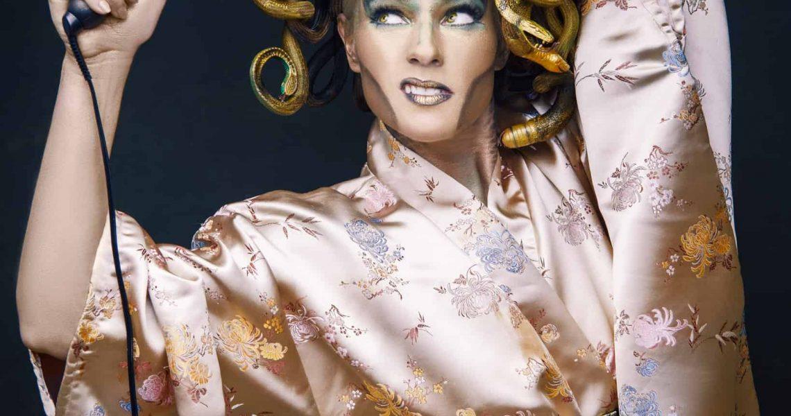 medusa in a kimono using a curling iron - stonetree creative - maine's premiere portrait studio